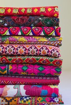 Woven textiles It blows me away to see the endless combinations of color of Indian Sari's not to mention their diverse use! | best stuff