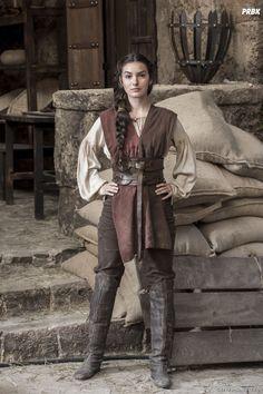 Villager tough girl woman medieval heroine - Villager tough girl woman medieval heroine Source by - Renaissance Costume, Medieval Costume, Medieval Dress, Renaissance Fair, Medieval Fantasy, Medieval Outfits, Medieval Girl, Medieval Clothing, Medieval Fashion