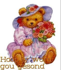 gifs ours pandas koalas - Page 9 Panda, Teddy Bear Images, Alcohol Ink Crafts, Gifs, Bear Photos, Girls With Flowers, Bear Wallpaper, Cute Clipart, Bear Cartoon