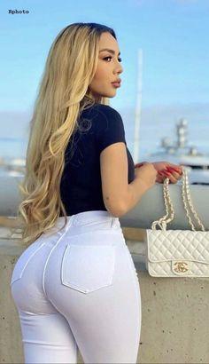 Gorgeous Women, Amazing Women, Vrod Harley, Sexy Women, Looks Pinterest, Curvy Girl Outfits, Curvy Women Fashion, Sexy Jeans, Girls Jeans