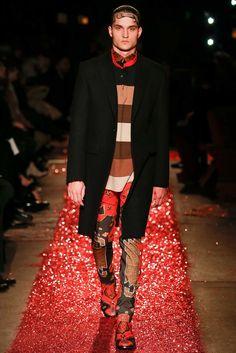 Givenchy Fall 2015 Menswear Fashion Show