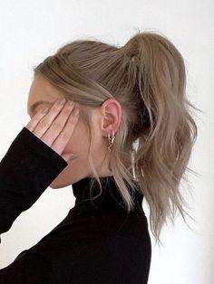 "𝓎𝓊𝓁𝒾𝓎𝒶 on Twitter: ""… "" Brown Blonde Hair, Blonde Honey, Aesthetic Hair, Blonde Aesthetic, Smooth Hair, Grunge Hair, Hair Day, Pretty Hairstyles, 60s Hairstyles"