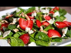 Clean Eating Strawberry Spinach Salad (Video) - Clean & Delicious with Dani Spies Watermelon And Feta, Spinach Strawberry Salad, Cucumber Salad, Spinach Salads, Strawberry Balsamic, Strawberry Blueberry, Feta Salad, Clean Eating Recipes, Healthy Eating