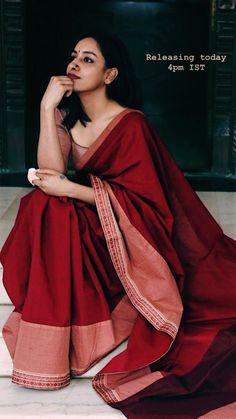 Dress Indian Style, Indian Fashion Dresses, Indian Outfits, Indian Clothes, Trendy Sarees, Stylish Sarees, Simple Sarees, Cotton Saree Designs, Saree Blouse Designs