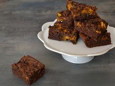 Tekvicové brownies Brownies, Desserts, Halloween, Cake Brownies, Tailgate Desserts, Deserts, Postres, Dessert, Plated Desserts