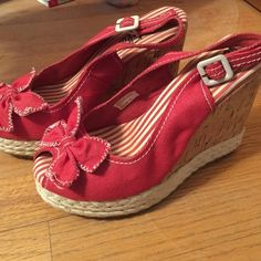 Wedge shoes Red and white wedge cork heel shoes! Worn 2-3 times excellent condition. Volatile Shoes Wedges