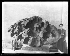 Willamette Meteorite, Willamette Valley, Oregon, 1906. Ph. J. Otis Wheelock