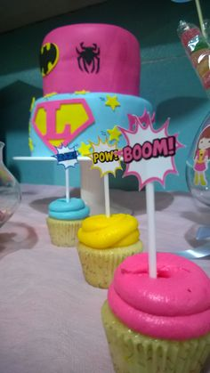 Cumple de Luli. Temática: Super Heroína. #SuperheroParty #SuperheroBirthday #Cupcakes #SuperheroCupcakes