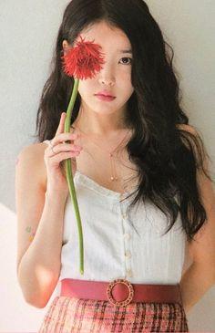 """IU's 2019 Seasons Greetings (source). Iu Fashion, Korean Fashion, Korean Beauty, Asian Beauty, Korean Girl, Asian Girl, How To Pose, Korean Artist, Korean Celebrities"
