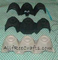 Pipistrello con il cartone delle uova per Halloween