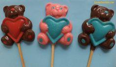 Apreenda Como Fazer Pirulito de Chocolate Colorido e descubra também como é fácil colorir chocolate! Confira!
