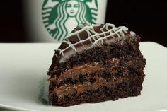 Bavarian Chocolate Cake: Intenso sabor a chocolate imperdible para los amantes de este manjar.Capas de torta de chocolate con relleno de dulce de leche de Starbucks Costa Rica.