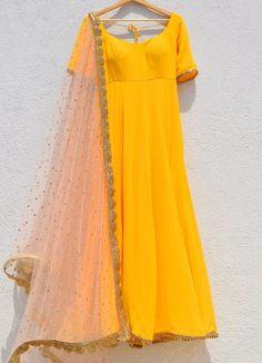 Bumblebee Yellow Anarkali With Pastel Salmon Pink Abla Dupatta Salwar Designs, Kurti Designs Party Wear, Blouse Designs, Stylish Dress Designs, Stylish Dresses, Simple Dresses, Indian Gowns Dresses, Pakistani Dresses, Pakistani Fashion Casual