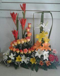 Deco Floral, Art Floral, Floral Arrangements, Flower Arrangement, Flower Designs, Floral Wreath, Bouquet, Wreaths, Table Decorations