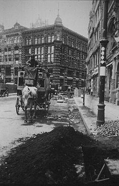 Berlin 1907 Blick von der Oberwallstrasse zur Taubenstrasse (Hausvogteiplatz Nr.5)