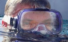 Prevent snorkel mask fog with baby shampoo. I knew there had to be a better way than spitting in it! Scuba Diving Equipment, Scuba Diving Gear, Snorkel Mask, Snorkelling, Underwater World, Panama City Panama, Fishing Tips, Diver Tattoo, La Paz