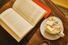 #feltbookcover #feltprotector #bookcase #feltbookcase #etuinaksiazki wraz z pyszną kawą z dodatkiem mashmallows :-) Do kupienia za 45 zł plus przesyłka - piszcie do mnie lub odwiedźcie sklep internetowy If you want to buy my felt book cover write me! price is about 11 Euro (plus shipping costs).  Foto: Klaudyna Schubert. Kawusia: Absurdalia Cafe
