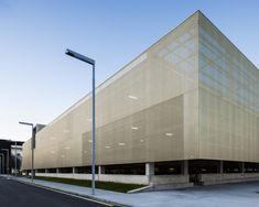 Parking Building / JAAM sociedad de arquitectura