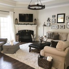 Pin by claudia on home living room furniture layout, home decor, fireplace Small Living Room Design, Family Room Design, Small Living Rooms, Living Room Designs, Cozy Living, Modern Living, Living Room Decor Cozy, Family Rooms, Modern Family