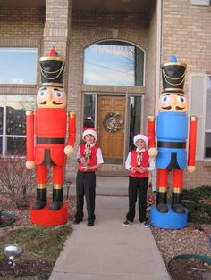 nutcracker: how to make GIANT nutcrackers for your front yard or christmas play! nutcracker: how Outside Christmas Decorations, Christmas Yard Art, Nutcracker Christmas, Christmas Projects, Christmas Lights, Christmas Holidays, Lawn Decorations, Christmas Light Installation, Décor Ideas