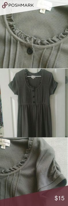 Alice Temperley for Target Gray Knit Dress This is an adorable, babydoll style, gray, knit dress. It's an Alice Temperley for Target, size XL. Great with a pair of leggings! So cute! Measures 25in from armpit to trim. ALICE by Temperley Dresses Midi