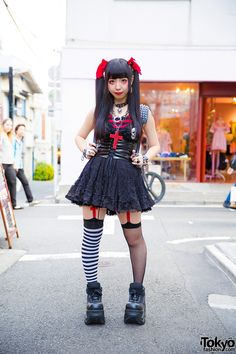 Harajuku girl in a Japanese school uniform 98de96622b88