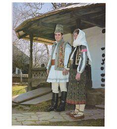 Neamt, Moldavia Costumes Around The World, Folk Clothing, Moldova, Folk Costume, Ethnic Fashion, Romania, African, Country, Clothes