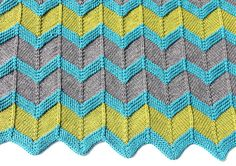 Zip Baby Blanket Pattern - chevron knit baby blanket pattern in two to eight colors Soft Baby Blankets, Knitted Baby Blankets, Baby Blanket Crochet, Baby Knitting Patterns, Free Knitting, Stitch Patterns, Knitting Ideas, Garter Stitch, Stitch Markers