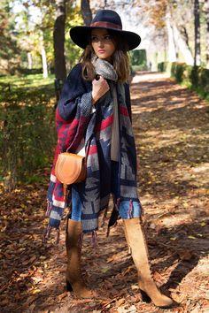 cape: Buylevard (au/w 15-16) // boots: Zara (au/w 15-16) // jeans: Gas Jeans // hat: H&M // bag: Chloé