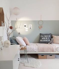 A beautiful soft sage wall is the perfect backdrop for this pretty scandi style-mädchen-schlafzimmer. Pretty blush linen and a few treasures make it cosy and. Teen Girl Bedrooms, Teen Bedroom, Casual Bedroom, Bedroom Furniture, Bedroom Decor, Bedroom Table, Bedroom Ideas, Nursery Ideas, Scandi Bedroom