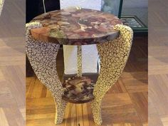 Table DIY decorated with Decopatch paper