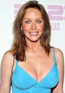 Tanya Roberts Plastic Surgery Before and After Tanya Roberts Plastische Chirurgie Vorher und Nachher - www. Julie Rogers, Plastic Surgery Pictures, Rhinoplasty Surgery, Celebrity Plastic Surgery, James Bond Movies, Tourist Trap, October 15, Actresses, Celebrities