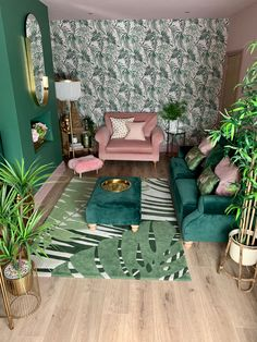 Green and pink living room Living Room Green, Green Rooms, New Living Room, Small Living, Modern Living, Home And Living, Barn Living, Luxury Living, Living Room Inspiration