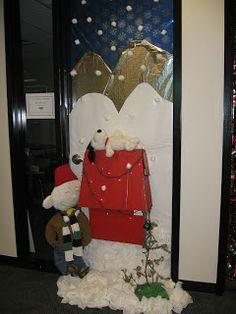 Christmas Door Decorating Contest | Mandy Mango: Door Decorating Contest