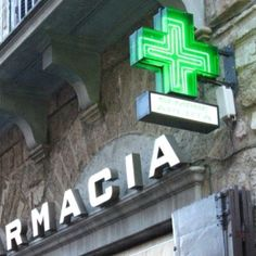 Farmacia signage - pharmacy