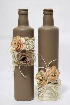 Ateliê da Fatinha - DF - 2017 Customização de garrafas de azeite, utilizando tinta PVA, juta, linha de seda e flores de Mara Elizabeth Elize.