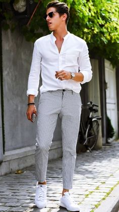 8 Stunning Cool Tips: Urban Wear For Men Simple london urban fashion men.Urban Wear For Men Simple urban fashion beautiful.Urban Fashion For Men Spaces. Fashion Mode, Denim Fashion, Trendy Fashion, Style Fashion, Fashion Outfits, Sneakers Fashion, Fashion Hats, Fashion Ideas, Dress Fashion
