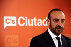 Jordi Cañas compara Le Pen amb el President Puigdemont