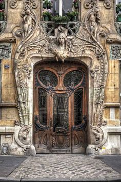 Lavirotte, at 29 Avenue Rapp in the 7th arrondissement, very close to the Eiffel Tower. Built in 1901, this Art Nouveau masterpiece by Jules Lavirotte is very impressive. The detailed door was designed by sculptor Jean-Baptiste Larrive and sculpted by a variety of others, photo by W Brian Duncan.