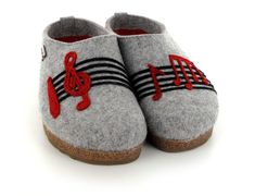 3278be42275 Haflinger GZL Musical Notes Grizzly Felt Clogs in Gray Clogs