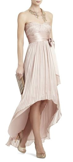 Love the cut! High low Bridesmaid..... Must consider this.
