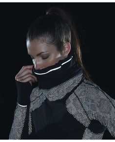 Run Fast Neck Warmer*SE Lights Out Reflective Ravish Reptile
