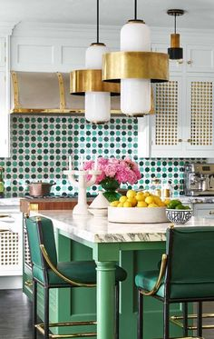 Kitchen Interior Design Kitchen of the Year 2018 - Photos of Martyn Lawrence Bullard 2018 Kitchen of the Year - You'll be green with envy. Retro Home Decor, Home Decor Kitchen, Kitchen And Bath, New Kitchen, Kitchen Ideas, Art Deco Kitchen, Green Kitchen Island, Cheap Kitchen, Kitchen Modern