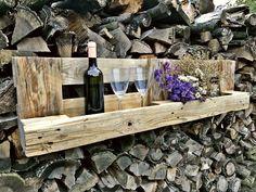 Police+na+víno+Police+na+víno,+sklenice,+květiny,+čaje,+kořenky+a+další+a+další+dle+libosti.+Rozměry:+d.+80cm,+v.+28cm,+hl.+14cm+Na+přání+možno+nalakovat+ochranným+lakem,+který+lehce+vytáhne+dekor,+nebo+jakoukoliv+jinou+barvou.