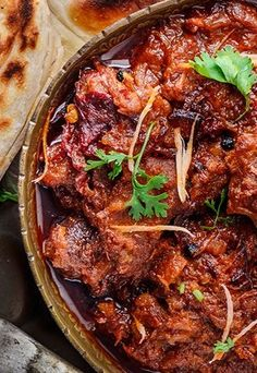 BHUNA GOSHT (lamb curry) ~~~ recipe gateway: this post's link + http://www.greatcurryrecipes.net/2015/02/19/how-to-make-bhuna-gosht-a-spicy-lamb-curry/ [Punjabi Cuisine] [cubesnjuliennes] [greatcurryrecipes]