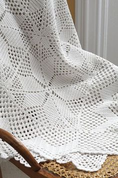Vintage 1940s Crochet Tablecloth or Throw With Medieval Cross Pattern, Milk White Cotton Yarn