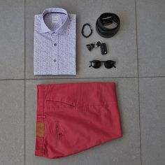 Look para noche de relajo... siempre con Huss. -- Camisa Montreal @huss_online Cinturón Villarrica @huss_online  Pulsera @luciacorbatas… Montreal, Chile, Casual Shorts, Women, Fashion, Color Combinations, Night, Bangle Bracelets, Men