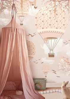 Precioso mural que ilumina un rincón entomológico para todo aquello que nos haga soñar