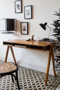 #homeoffice #desk #woodendesk #mangowood #midcentury #midcenturymodern #vintageinterior #rustic #rockettstgeorge