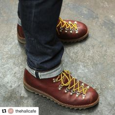 #myfracap from thehallcafe  Brown leather and yellow laces on a ripple sole. Classic gentleman never lose. Do you like them?  www.fracap.it  #Fracap #boots #friends #love #shoes #handcrafted #handmade #italy #madeinitaly #cool #style #dream #lecce #puglia #grass #hiking #hikingboots #sneakers #love #boom #sneakerskiller #musthave #shopping #girl #boy #fun #hikingadventures #uk #nyc